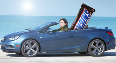 Snickers Super Bowl 2017 Commercial and Snickers Daily Dose 12 Jan